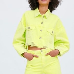 NWT Zara Cropped Neon Green Denim Jacket Raw Hem
